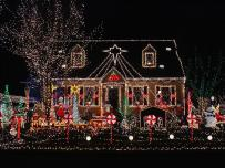 istock-2309123_over-the-top-exterior-christmas-lights_s4x3-jpg-rend-hgtvcom-1280-960